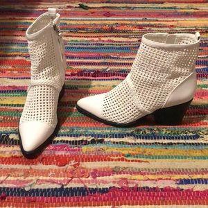 Same Edelman white boots / booties